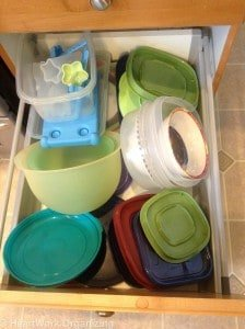organizing kitchen drawer items