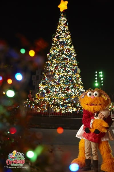 http://c0026106.cdn1.cloudfiles.rackspacecloud.com/892d34c6957e42a4bf04a446c32521d8_201A Very Furry Christmas at Sesame Place