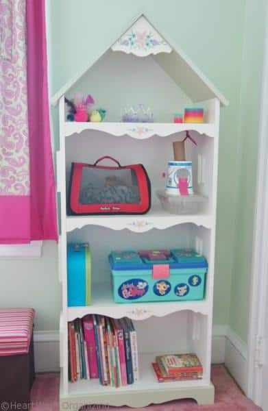 organizing a girl's room