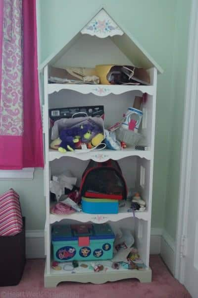 Organizing a child's bookcase