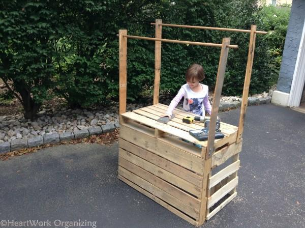 How to build a lemonade stand from pallets heartwork for Kids lemonade stand plans