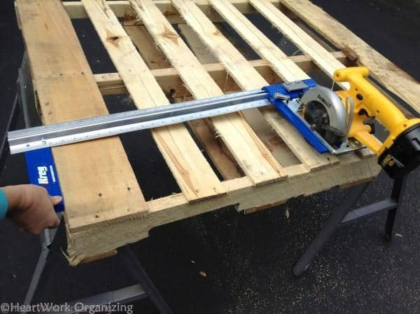 cutting the pallet for lemonade stand