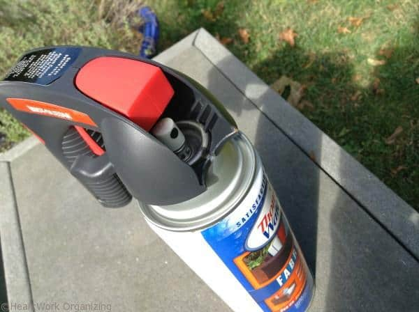 clip Comfort Grip onto spray can