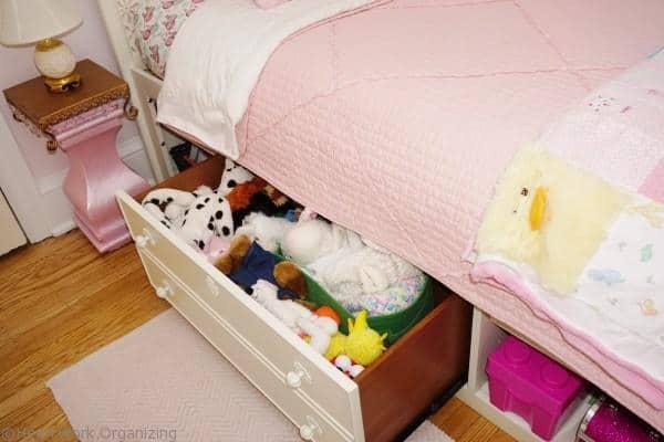 SmartStuff Furniture to organize kids