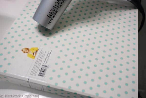 How to remove stickers with a hair dryer (2)
