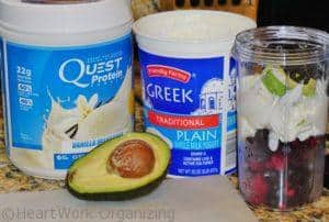 mixing smoothie with avocado