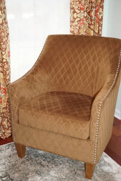 Home Office with New England Style (11) guest chair