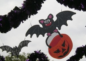 Read more about the article Halloween Decorating Ideas via Sesame Place Spooktacular