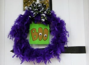 Read more about the article Easy and Un-Scary Halloween Decorations