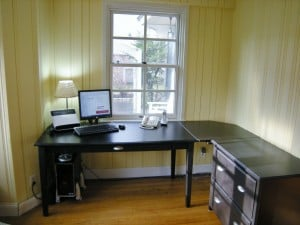 Read more about the article Custom Furniture in My Home Office {Decorator's Home Office Makeover}