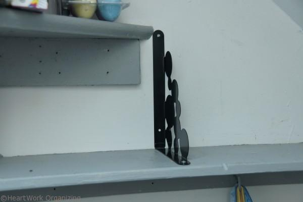 brackets to organize shelves