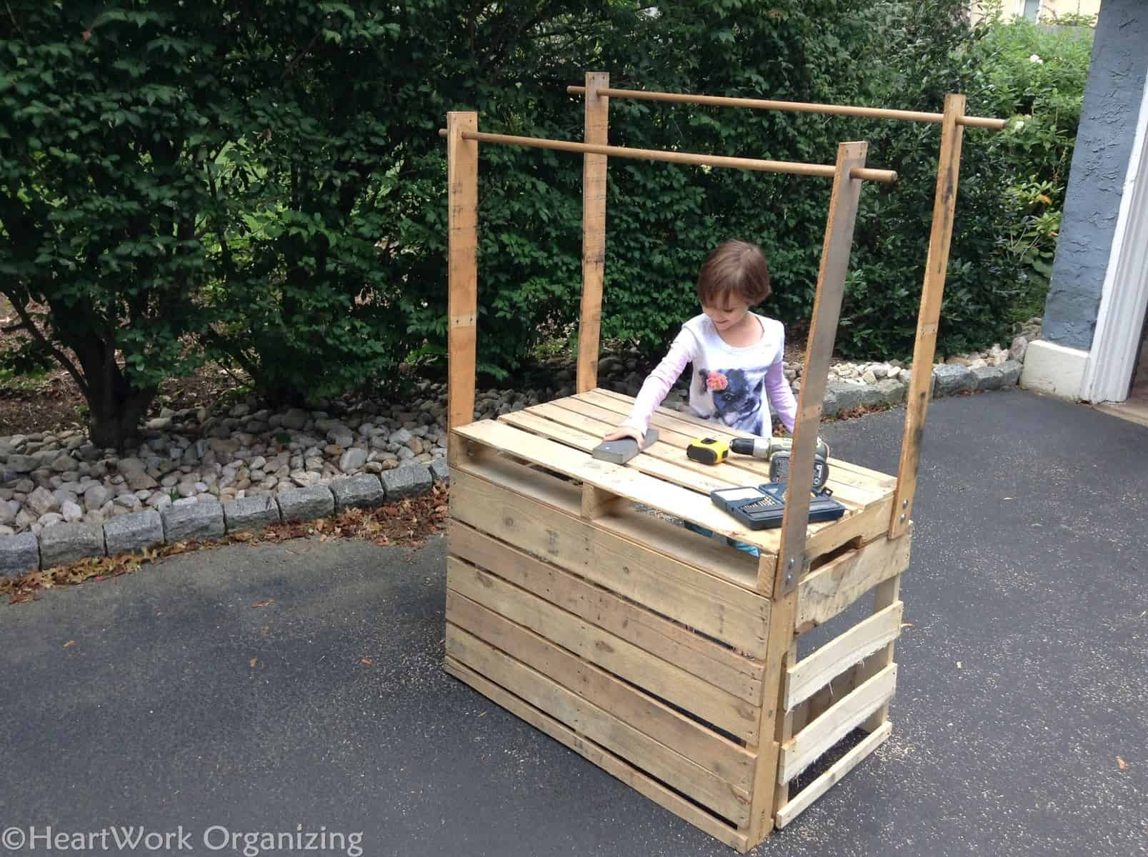 how to build a lemonade stand from pallets heartwork