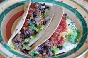 Read more about the article Easy Taco Dinner {Calphalon Slow Cooker}