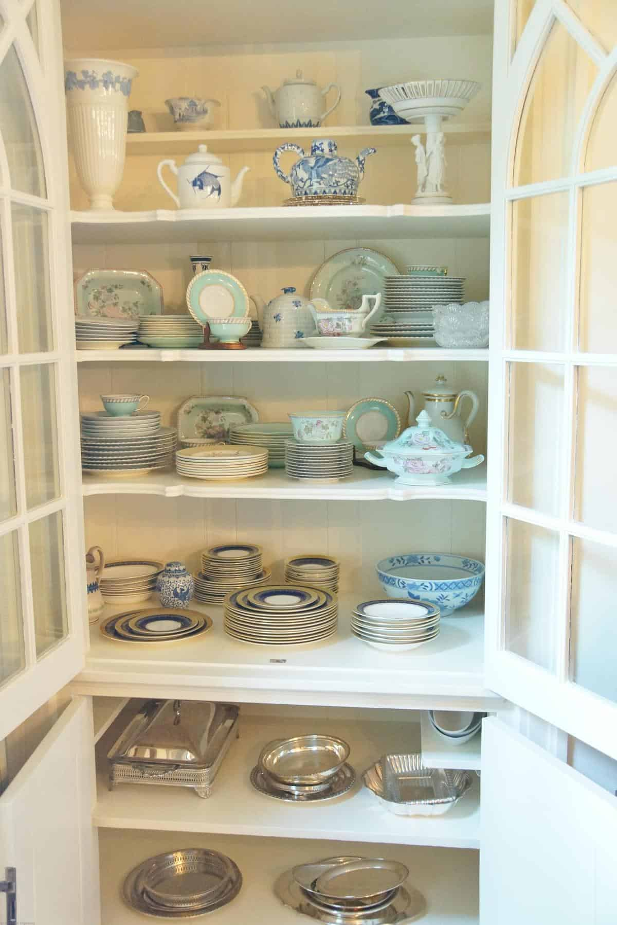 And Here S The Styled China Cabinet After