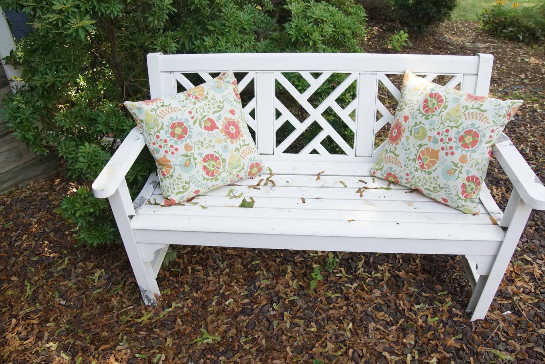Charmant BEFORE White Porch Furniture Cleaned With Tide Oxi