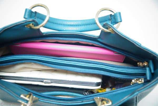 how to organize a purse with an ipad