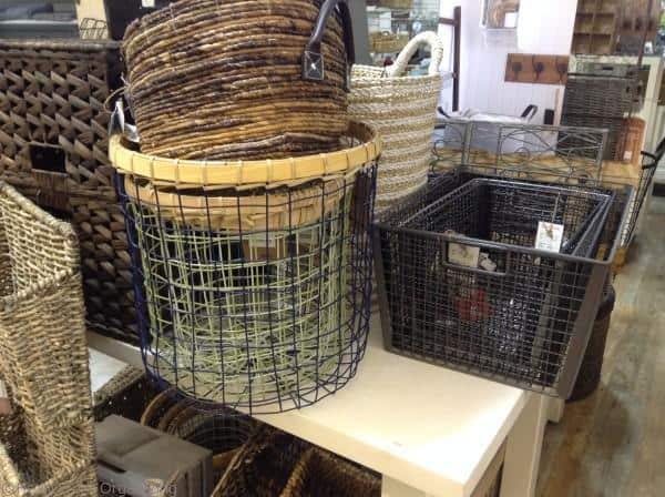 how to line a round wire or wicker basket