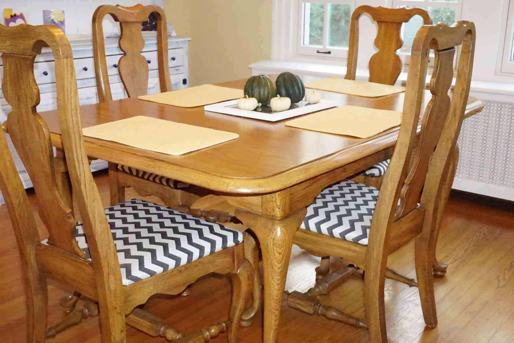 How to Reupholster Dining Room Chair Seat Covers - Sitting Pretty ...