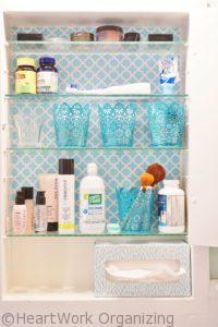 Read more about the article Bathroom Medicine Cabinet Organizing- with Color!
